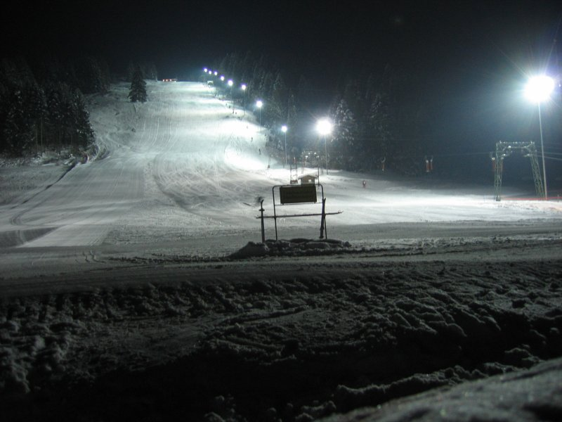 night-skiing.jpg